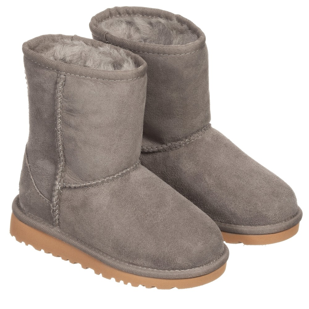 grey short uggs